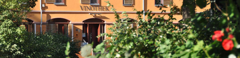 slider_0000s_0018_Dienerbau Schloss