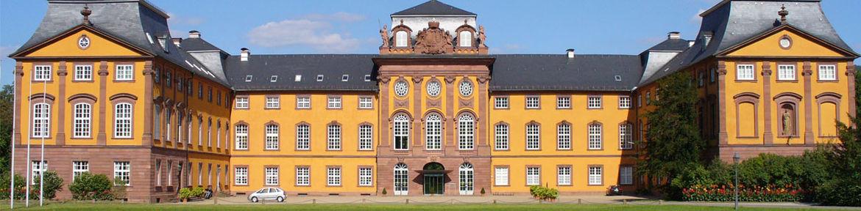 slider_0000s_0003_Schloss